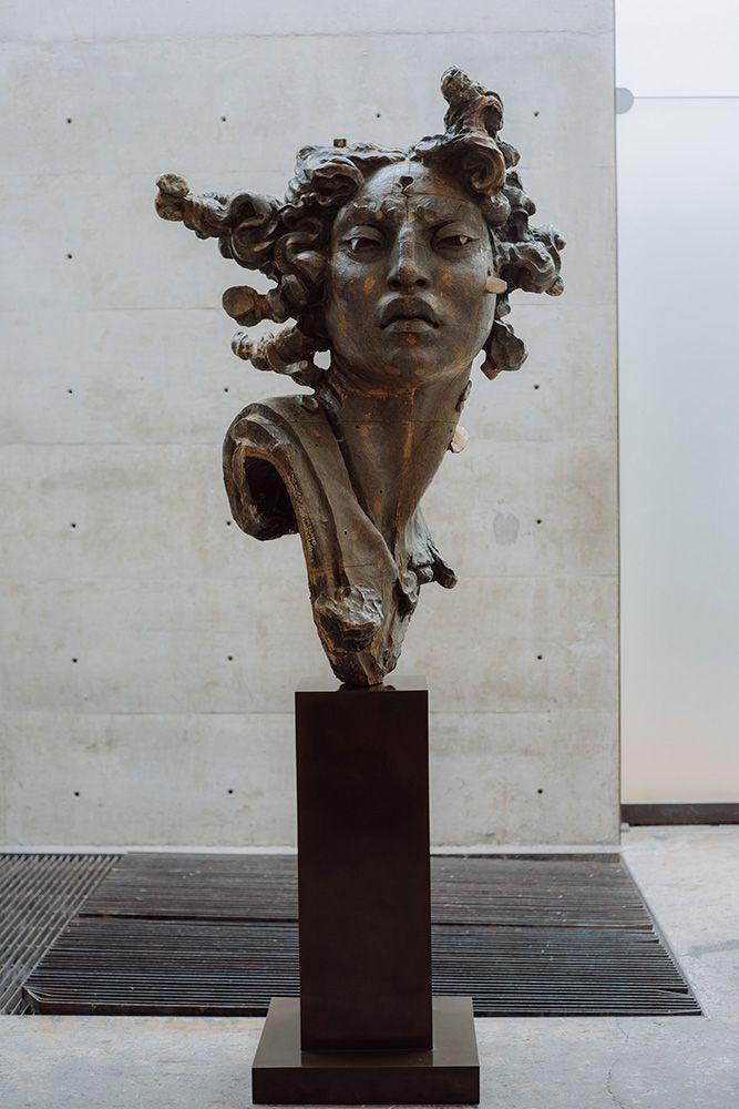 Javier Marín. Cabeza Estrella, 2014. Bronce ala cera perdida. Medidas 132 x 92 x 67 cm. Peso 127 kg. J-1519 ; Ot. 2781. Serie 1/8