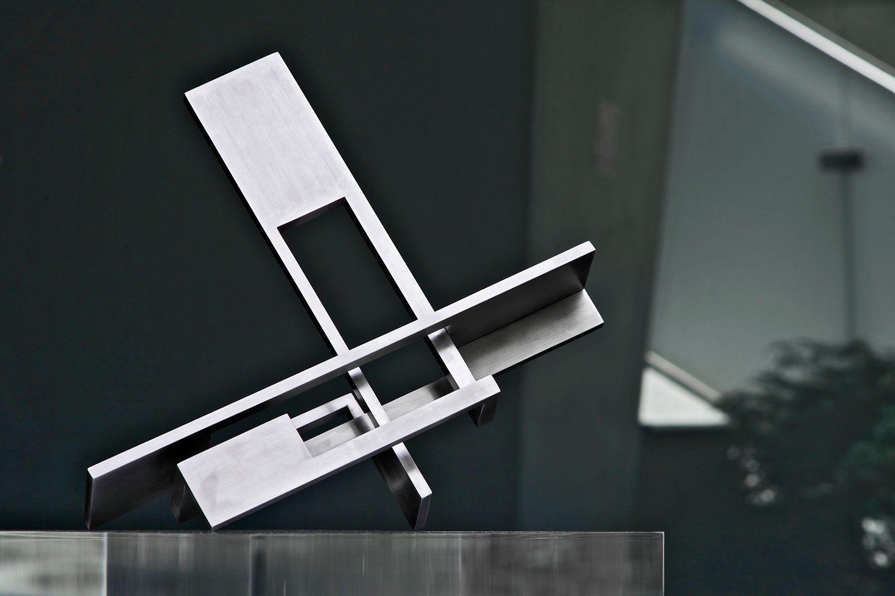 cabeza-xiii-alteracion-del-espacio-euclideo-01